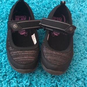 stride Right black sneakers excellent condition